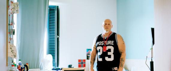 Photo of لديهم تليفزيونات في زنازينهم ويتعلمون عزف الموسيقى.. سجن هالدن النرويجي: عندما يعيش السجناء أفضل من الأحرار