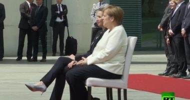 """صورة بعد تكرار نوبات الارتعاش.. ميركل تستقبل رئيسة وزراء الدنمارك """"جالسة"""""""