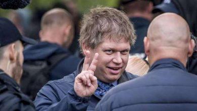 صورة راسموس بلودان ممنوع دخول السويد لمدة عامين