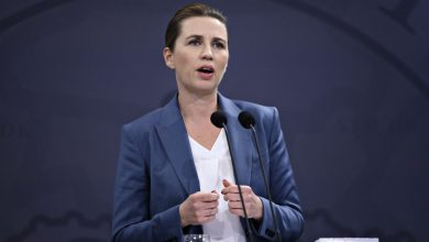 صورة رئيسة وزراء الدنمارك: عدوى كورونا خرجت عن السيطرة